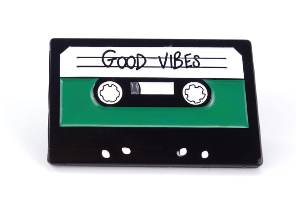 Pin Old School Kassette | Tape | Good Vibes | Grün Schwarz