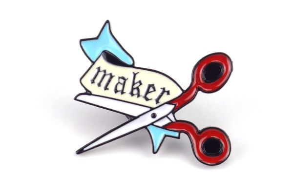 "Pin Schere mit Schriftzug ""maker"" | Rot Hellblau"