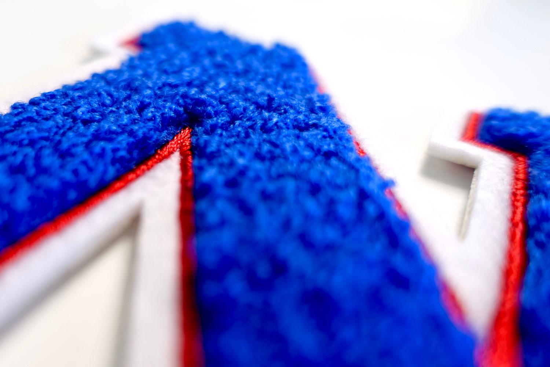 Frottee Zahl 0 9 | Blau, Rot, Weiß | 9,5 cm hoch | Varsity Number
